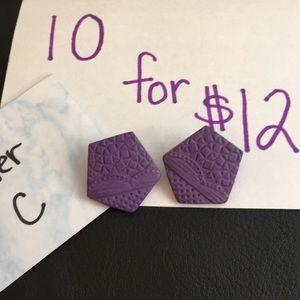 Bundle only 10/$12 vintage earrings
